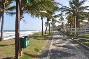 Praia Vilas do Atlântico - Praias-360