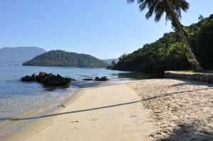 Praia do Meio da Ilha Bonita  - Praias-360
