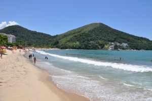 Praia Martim de Sá - Praias-360
