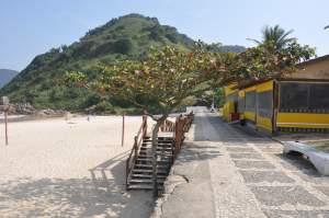 Praia do Tombo  - Praias-360